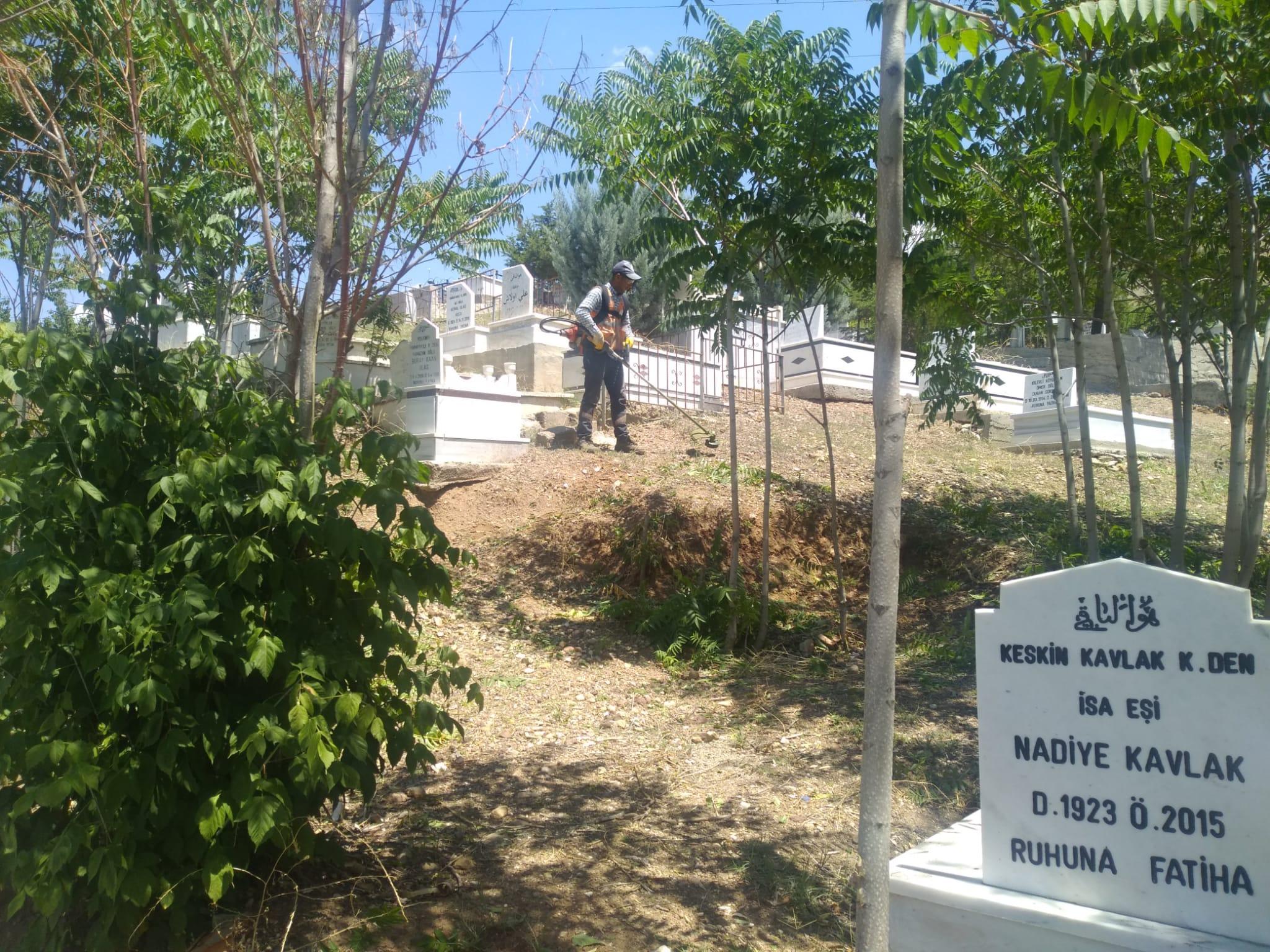Tarih : 16.07.2021 - Mezarlıklarımızda Bayram Hazırlığı